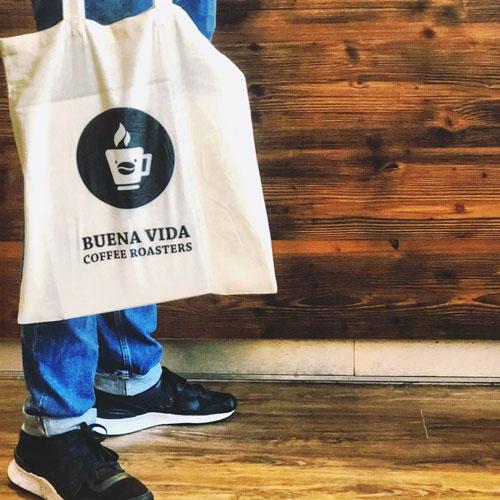 Jutebeutel mit Buena Vida Logo und Schrift